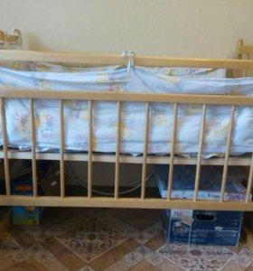 Кроватка-маятник новая