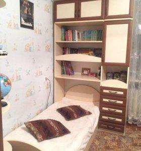 Мебель в детскую. Шкаф с кроватью.