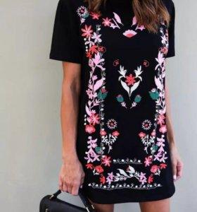 Новое платье с цветочным принтом