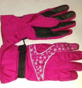 Перчатки женские лыжные / сноубордные новые