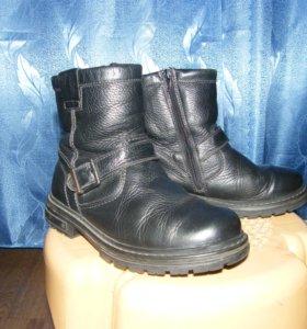 Ботинки размер 35 зимние.