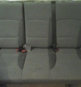 Сидение на автомобиль HUNDAI H1 второй ряд салона