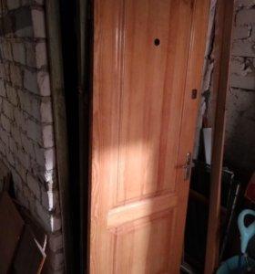 Дверь входная б/у, материал липа+короб.