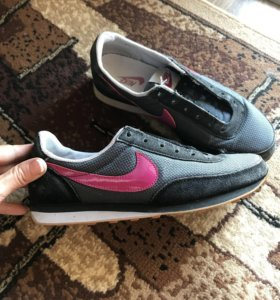 Кроссовки Nike оригинал 37 размер