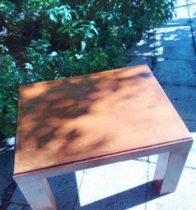 Добротный стол - лик из дерева, массивный