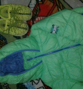 Куртка Gulliver+подарок кеды.На 3-4г