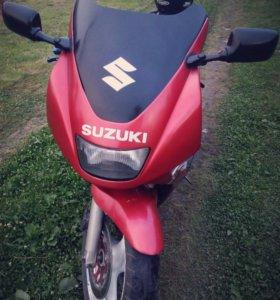 Suzuki RF 400