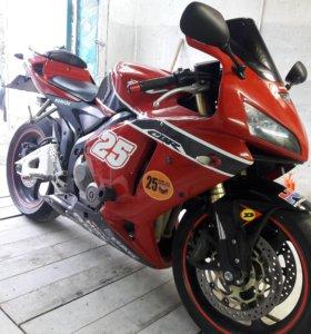 Honda CBR600RR 2006 год