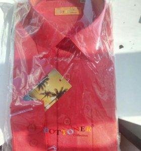 новая красная мальчиковая рубашка