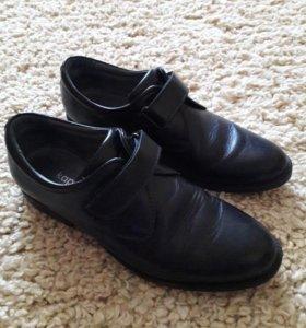 Кожаные туфли разм 38