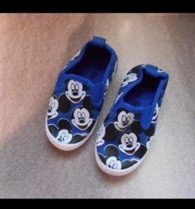 Обувь детская, новая.
