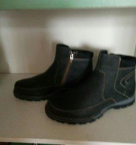 Размер 39  Новые ботинки