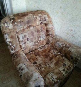Кресло-кровать 2шт. Шифоньер трехстворчатый