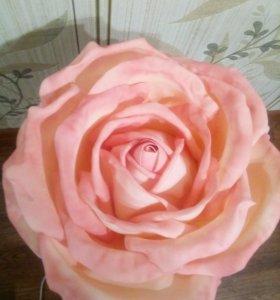 Светильник-роза ручной работы.