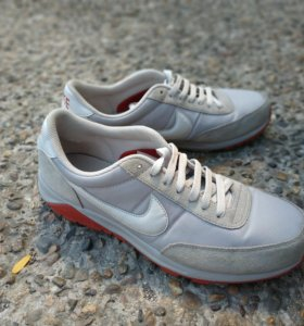 Кроссовки Nike 42р