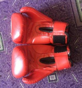 боксерские перчатки 10 oz.