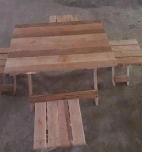 Стол и 4 стульчика. Раскладной.