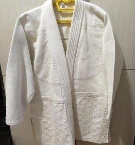 Кимоно и перчатки для борьбы