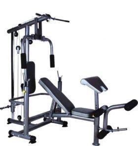 Силовой тренажер со свободными весами.