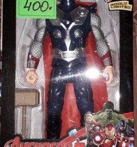 Фигуры героев Marvel