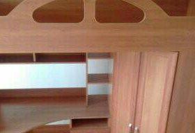 Кровать двух ярусная со встроенным шкафом ,полками