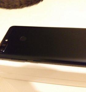 Смартфон Asus Zenfone Max M1