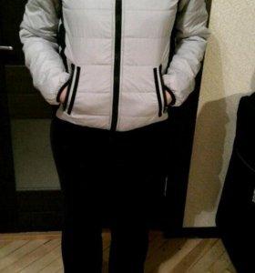 Куртка женская светло-серая в отличном состоянии