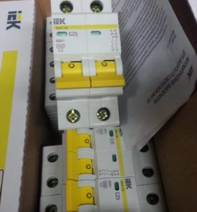Автоматический выключатель IEK 2P C25A.4,5kA