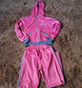 Спортитивный костюм на 6-8 лет