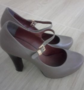 Женские туфли 39