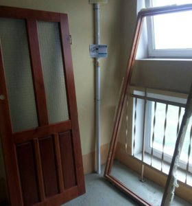 Дверь деревянная из массива с коробкой
