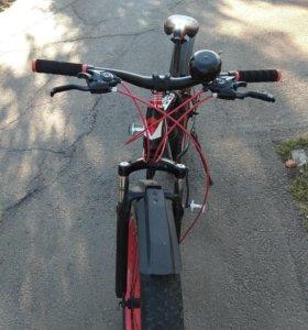 Велосипед с большими колесами.Торг.