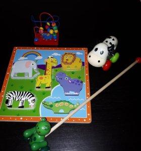 Пакет игрушек.