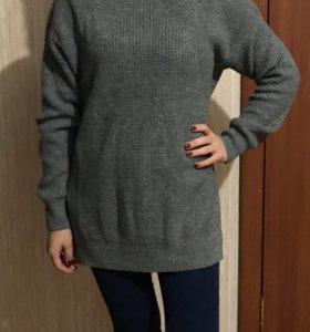 Длинный мешковатый свитер