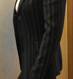 Брючный костюм тройка
