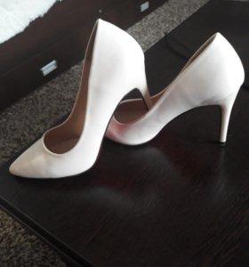 Продаю туфли 37