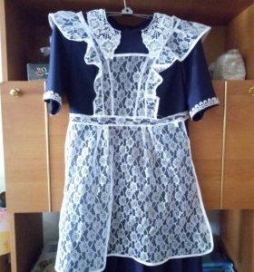Школьное платье и два фартука (чёрный и белый)
