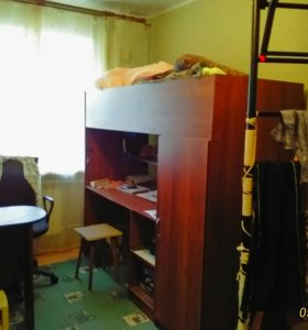 Кровать:1 ярус- стол и шкаф, 2 ярус - кровать
