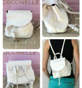 Миниатюрный рюкзачок Coccinelle белый