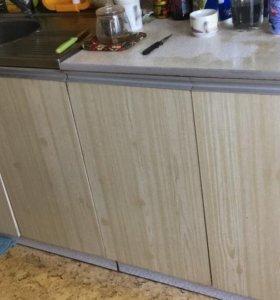 Кухонный гарнитур из 80-х в дар