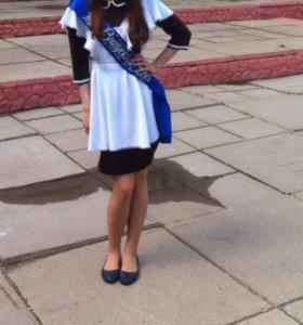 Выпускной фартук и сарафан, платье.