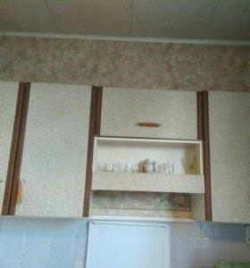 Срочно отдам кухонные шкафы и мойку