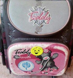 Рюкзак школьный в хорошем состоянии