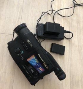 Видеокамера Sony RX3