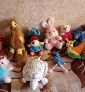 Продам 13 плюшевых игрушек. Торг уместен. СРОЧНО