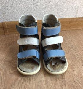Ортопедические лечебные сандали Ortuzzi
