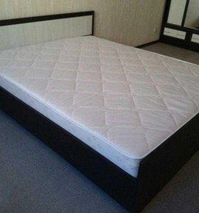 Кровать двуспальная 160с матрасом в упаковках.
