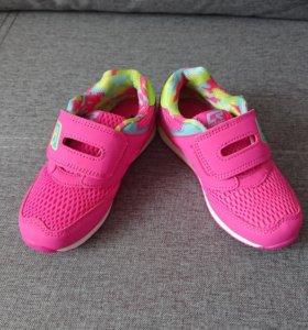 Новые кроссовки на девочку , 28 размер