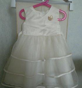 Платье из атласа и сетки