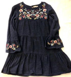 Платье темно-синее расшитое. 158 Zara